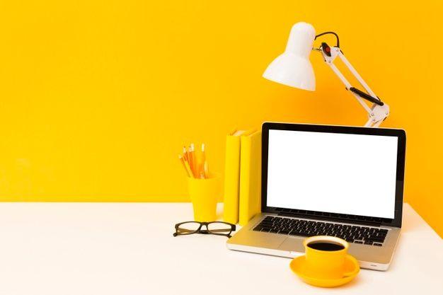 チャットレディ在宅おすすめノートパソコンと必要スペック・スマホじゃだめ?